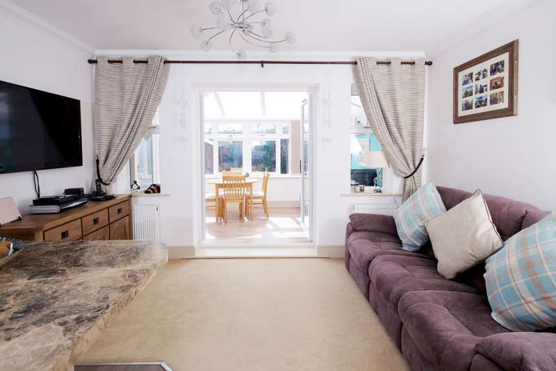 2 Bedrooms Semi Detached House for sale in Bournemouth