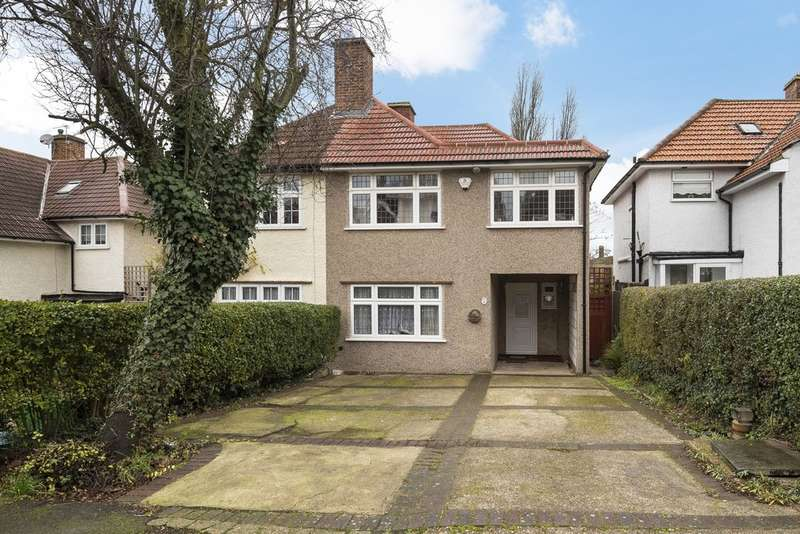 3 Bedrooms Semi Detached House for sale in Avondale Road, London