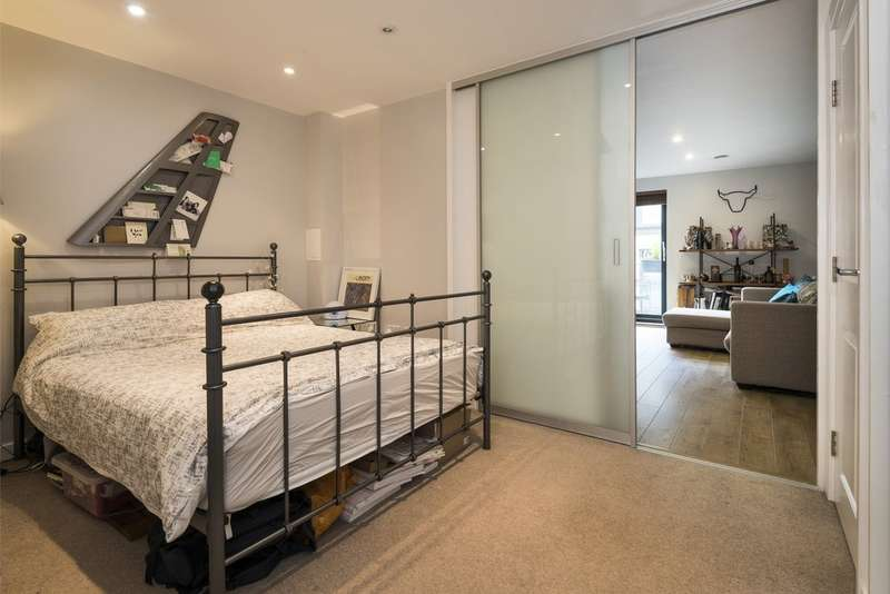 1 Bedroom Flat for sale in Old Biscuit Factory, Chiltonian Mews