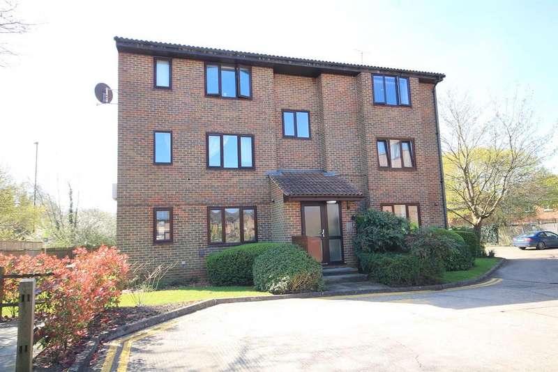 Studio Flat for sale in Swann Way, Broadbridge Heath, Horsham
