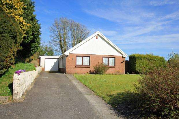 2 Bedrooms Detached Bungalow for sale in Devereaux Drive, Carmarthen, Carmarthenshire