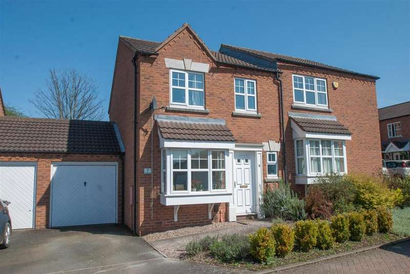 3 Bedrooms Semi Detached House for sale in Bell Close, Lichfield