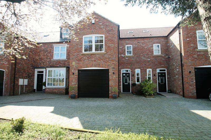 3 Bedrooms Semi Detached House for sale in Dove Lane, Norton