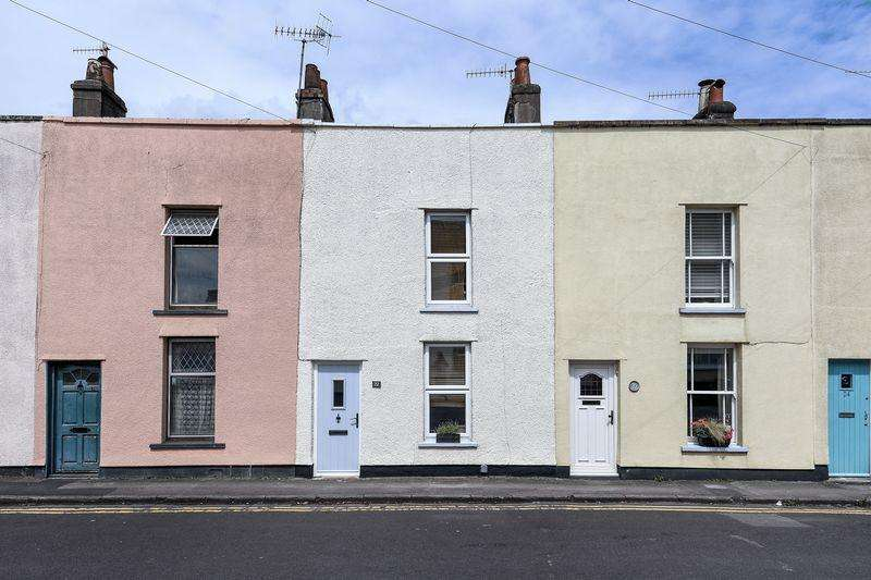 2 Bedrooms Terraced House for sale in Church Road, Westbury on Trym