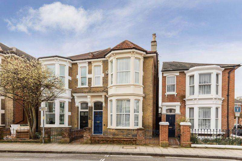 4 Bedrooms Semi Detached House for sale in St. Edwards Road, Southsea