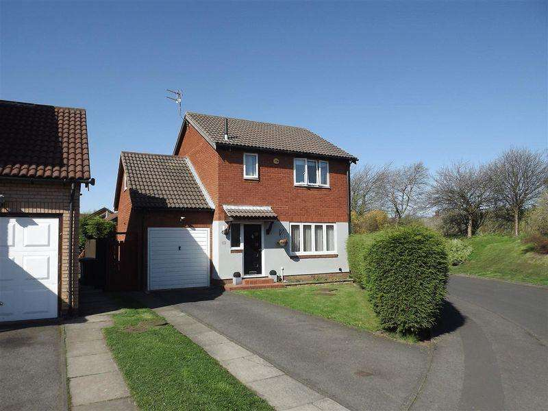 3 Bedrooms Detached House for sale in Hatfield Drive, Seghill