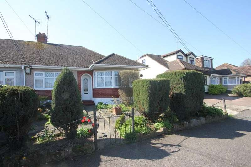 3 Bedrooms Semi Detached Bungalow for sale in Chestnut Close, Hockley