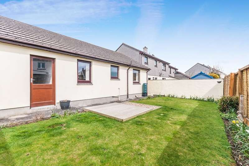 3 Bedrooms Semi Detached Bungalow for rent in Sunnyside Parc, Illogan, Redruth, TR15