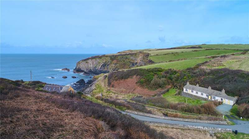 3 Bedrooms Detached Bungalow for sale in Y Cwm, Trefin, Haverfordwest, Pembrokeshire