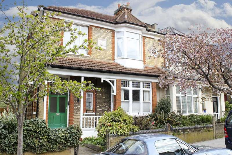 2 Bedrooms Flat for sale in Arcadian Gardens, Wood Green, London, N22