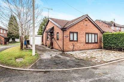 2 Bedrooms Bungalow for sale in The Willows, Partington, Manchester, Greater Manchester