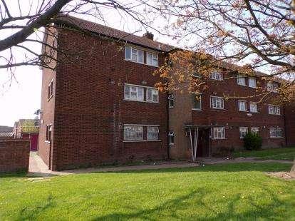 2 Bedrooms Flat for sale in Dagenham, Essex, United Kingdom