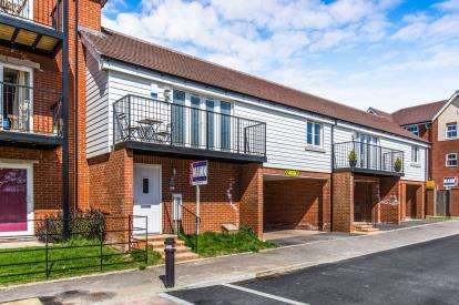 2 Bedrooms Maisonette Flat for sale in Locks Heath, Southampton, Hampshire