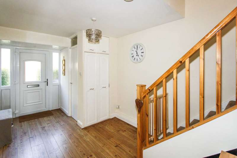 3 Bedrooms End Of Terrace House for sale in Sparkbridge, Basildon