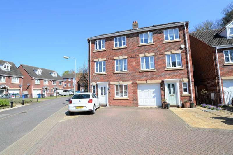 6 Bedrooms Semi Detached House for sale in Lime Kiln Mews, North City