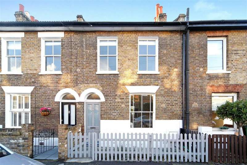 2 Bedrooms Terraced House for sale in Reynolds Place, Blackheath, London, SE3