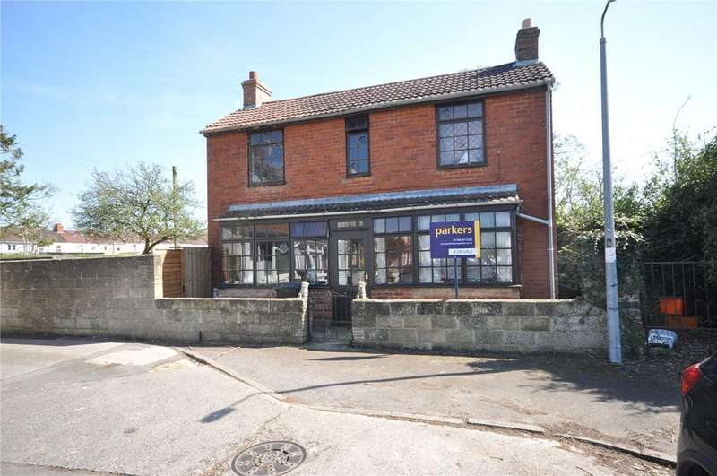 3 Bedrooms Detached House for sale in Harcourt Road, Swindon, Wiltshire, SN2