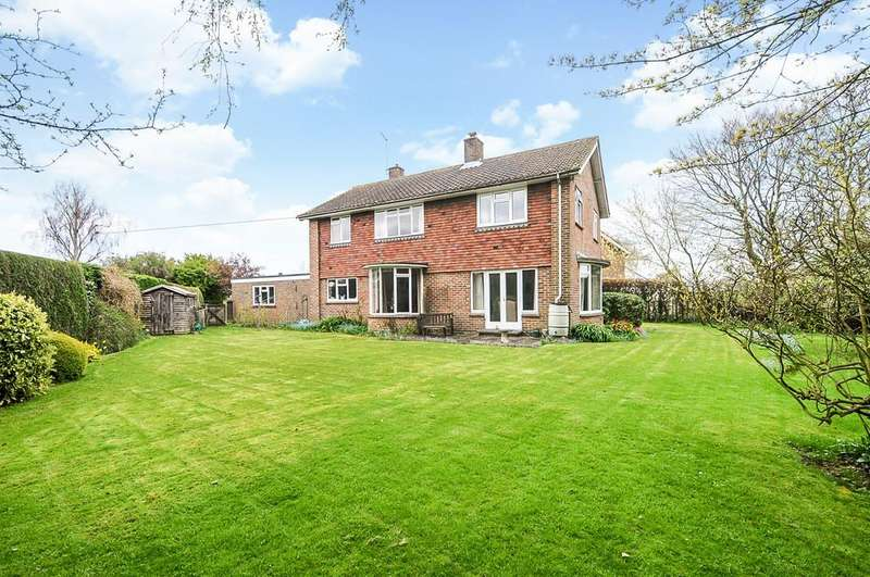 4 Bedrooms Detached House for sale in Priory Close, Boxgrove