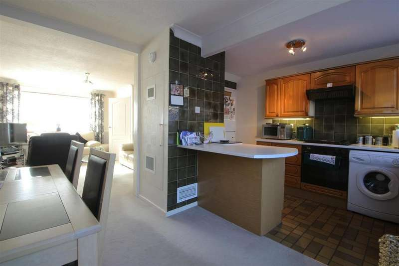 3 Bedrooms Terraced House for sale in Champions Green, Hoddesdon