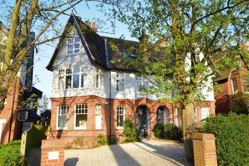 5 Bedrooms Semi Detached House for sale in Kendrick Road, Reading