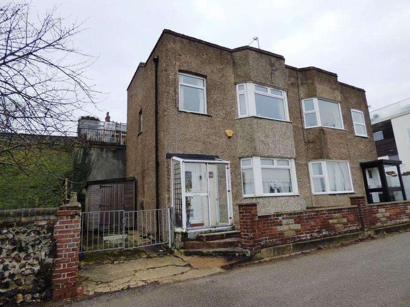 2 Bedrooms Semi Detached House for sale in High Road, Great Yarmouth