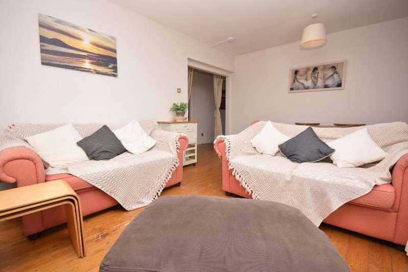 2 Bedrooms Apartment Flat for sale in Orchard Brae Avenue, Flat 14, Orchard Brae, Edinburgh, EH4 2HW
