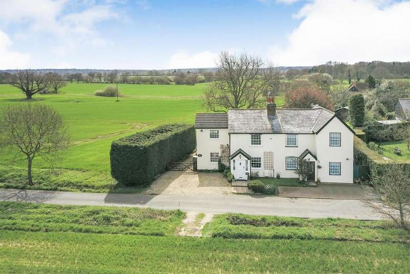 3 Bedrooms Semi Detached House for sale in Padhams Green, Mountnessing