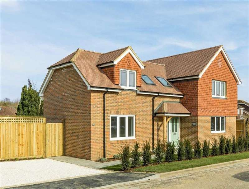 4 Bedrooms Detached House for sale in Holly Lea, Jacobs Well, Guildford, Surrey, GU4