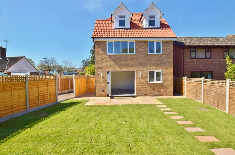 4 Bedrooms Detached House for sale in Mons Avenue, Billericay