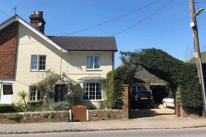 3 Bedrooms Semi Detached House for sale in Church Street, Rudgwick