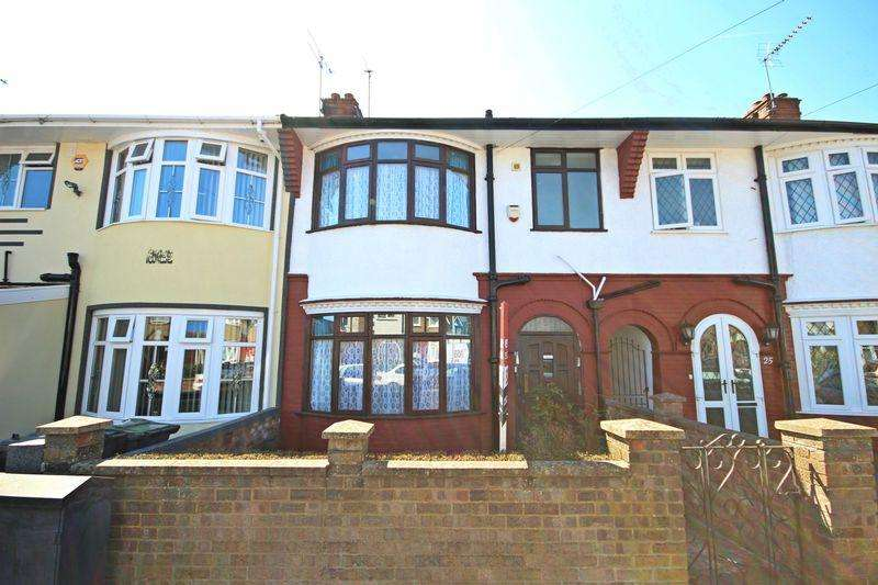 3 Bedrooms Terraced House for sale in Britannia Avenue, Luton