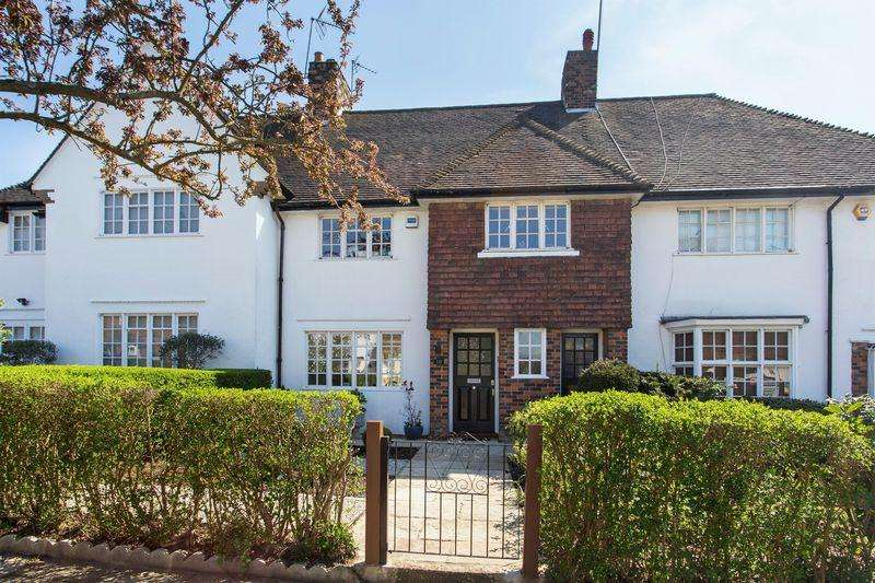 4 Bedrooms House for sale in Hill Rise, Hampstead Garden Suburb
