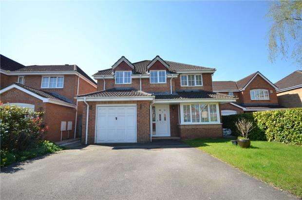 4 Bedrooms Detached House for sale in Turnberry Drive, Beggarwood, Basingstoke
