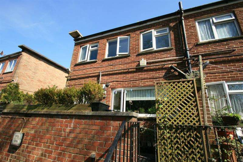 3 Bedrooms Maisonette Flat for sale in Market Parade, Havant