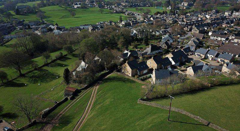4 Bedrooms Detached House for sale in 27 Winfield Road, Sedbergh