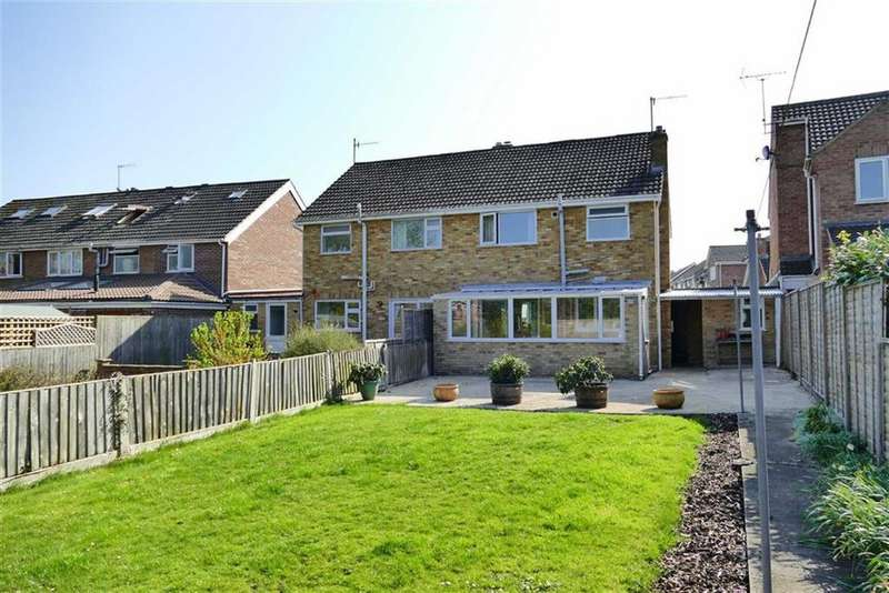 3 Bedrooms Semi Detached House for sale in The Rise, Calne