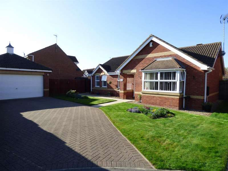 3 Bedrooms Detached Bungalow for sale in Nornabell Drive, Beverley, East Yorkshire, HU17