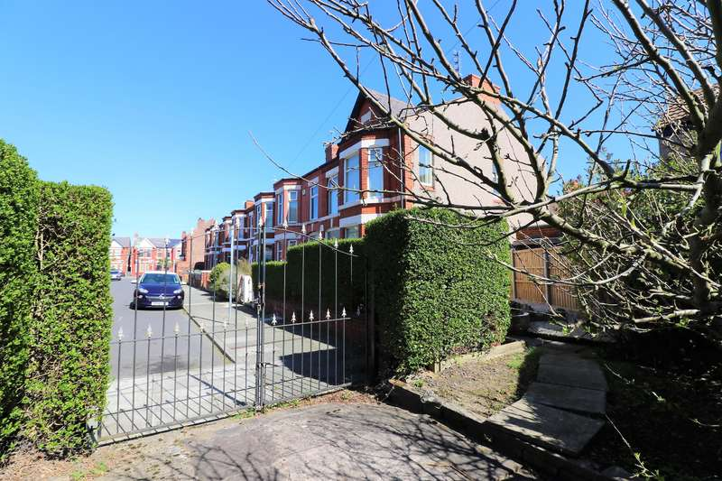 4 Bedrooms House for sale in Wellesley Road, Wallasey, CH44 5UR