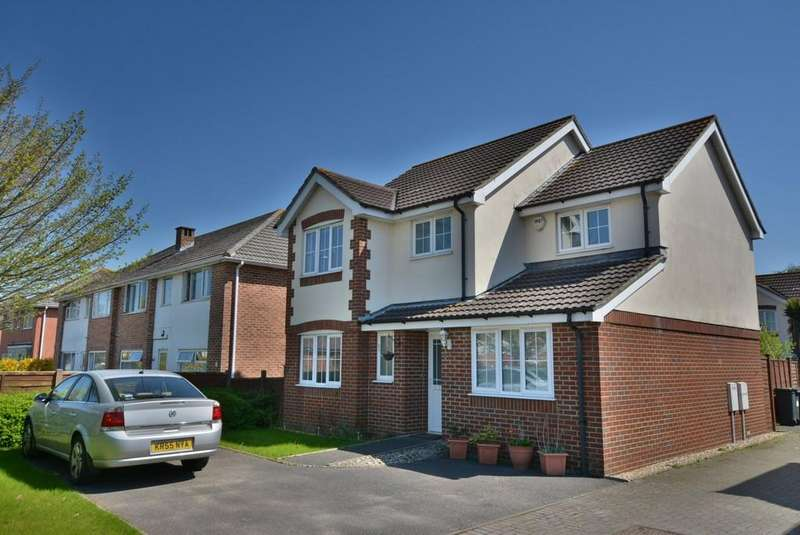 4 Bedrooms Detached House for sale in Ashstead Gardens, Bournemouth
