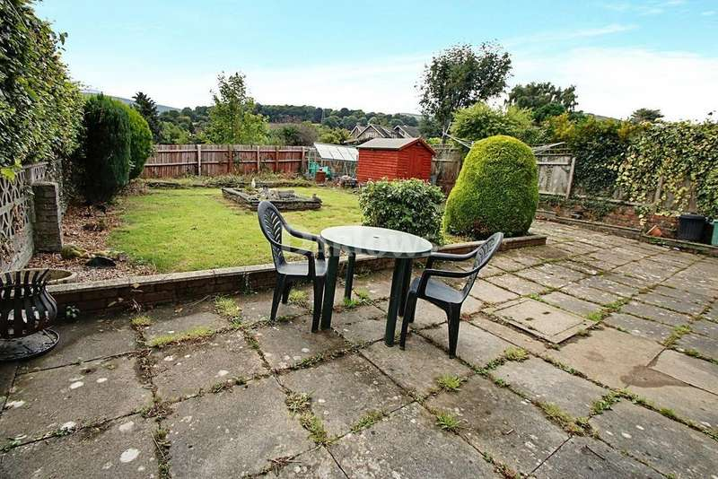 4 Bedrooms Detached House for sale in Exford Grove, Gilwen, Abergavenny, Monmouthshire