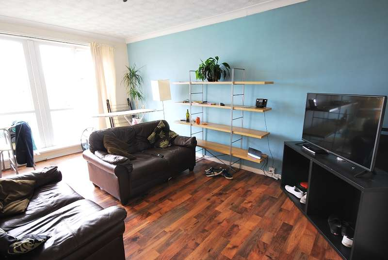 2 Bedrooms Flat for sale in Monkridge Court, Gosforth