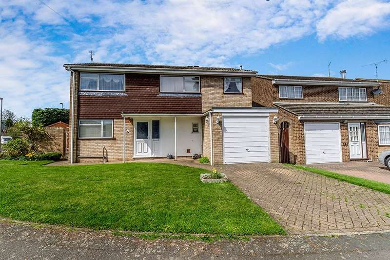 3 Bedrooms Detached House for sale in Crispin Road, Rochester, ME2