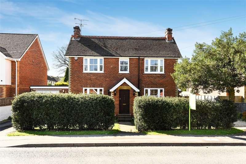 4 Bedrooms Detached House for sale in Ellis Road, Crowthorne, Berkshire, RG45