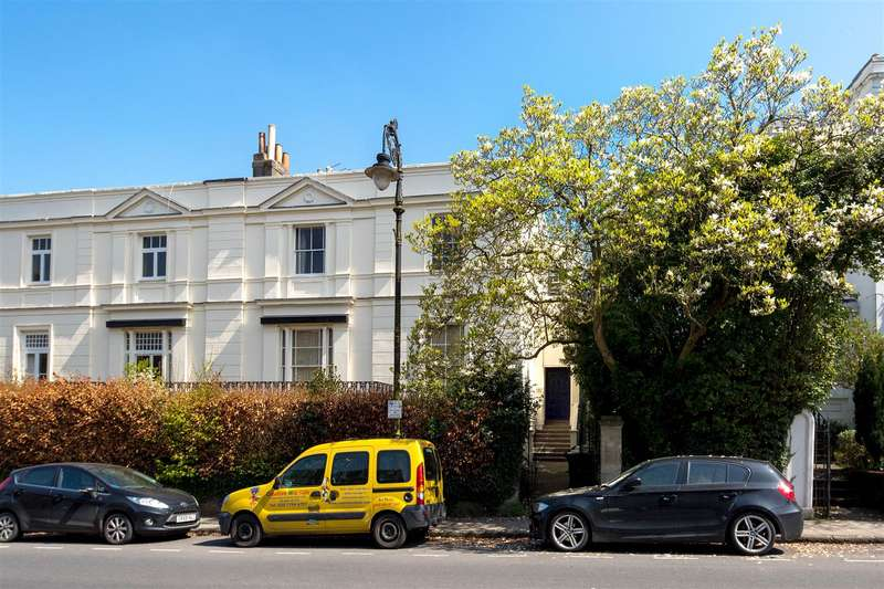 4 Bedrooms Flat for sale in Pembroke Road, Clifton