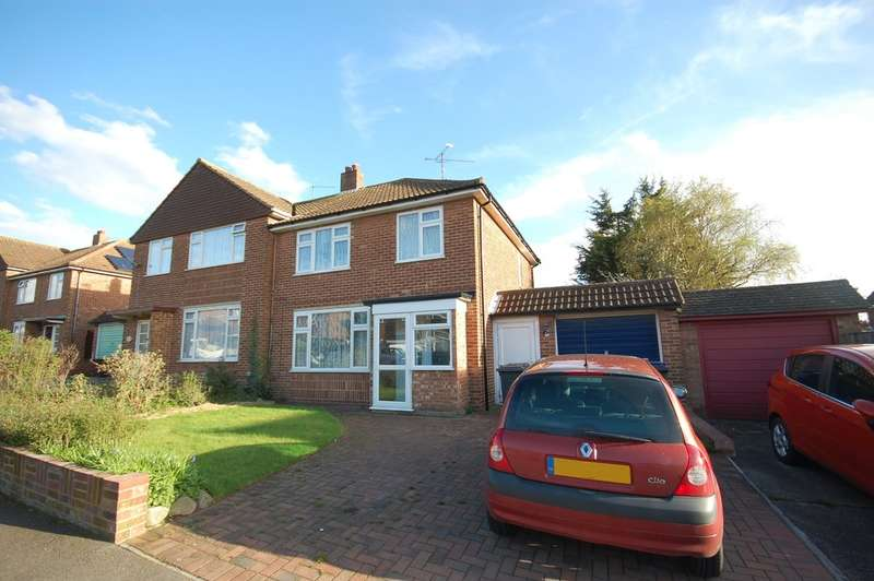 3 Bedrooms Semi Detached House for sale in Summerfield Avenue, Whitstable