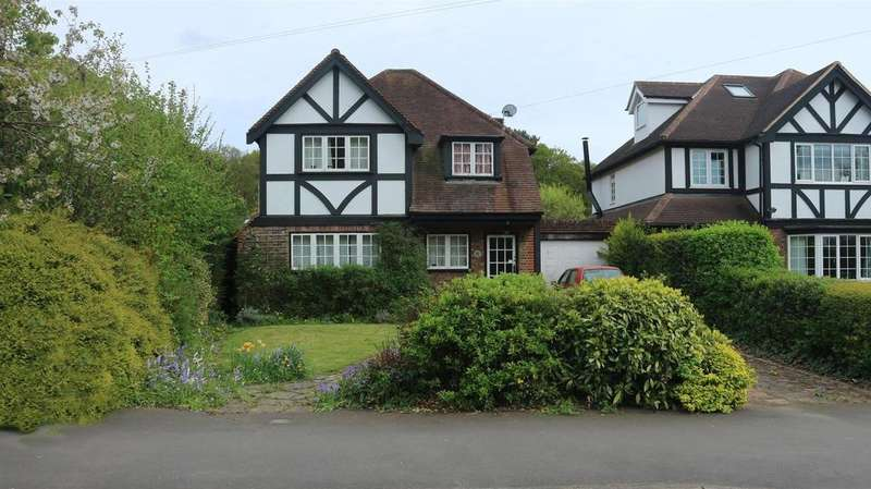 3 Bedrooms Detached House for sale in Claygate