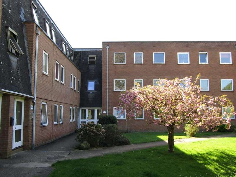2 Bedrooms Apartment Flat for sale in Grove Court, Church End, Arlesey SG15 6UZ