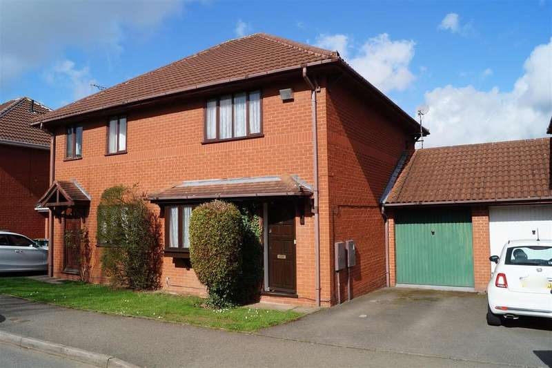 3 Bedrooms Semi Detached House for sale in Stretton Avenue, Chapel Farm, Willenhall, Coventry