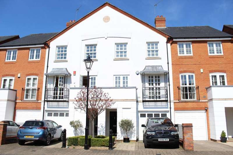 4 Bedrooms Town House for sale in Barley Way, Marlow