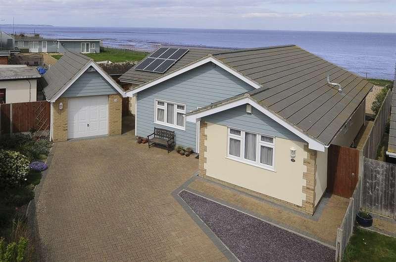 4 Bedrooms Detached Bungalow for sale in Brooklands Close, Herne Bay